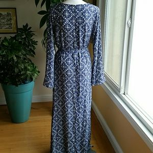 Lulu's Dresses - Lulus maxi dress new with tags size Large